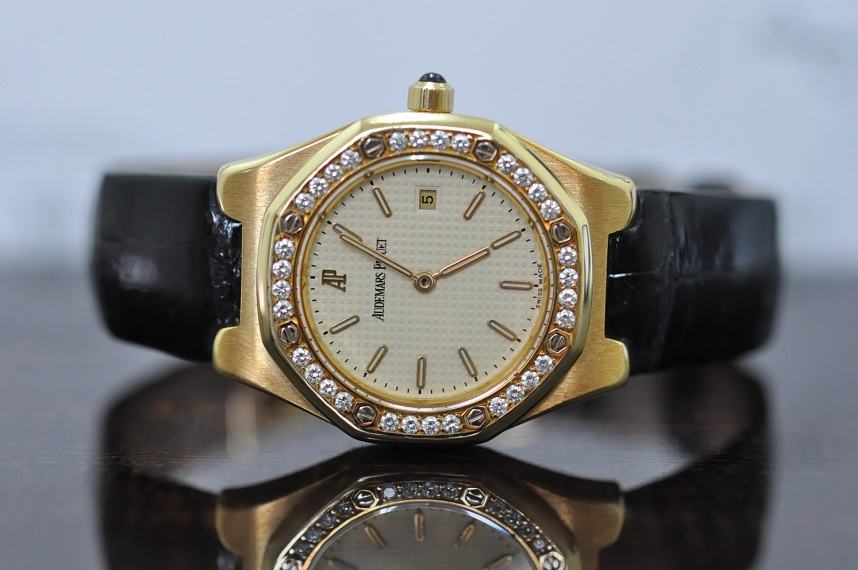 18ct Gold Royal Oak Diamond Bezel