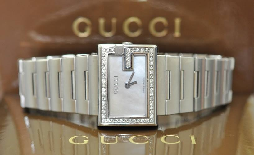 2010 Diamond Gucci 'G'