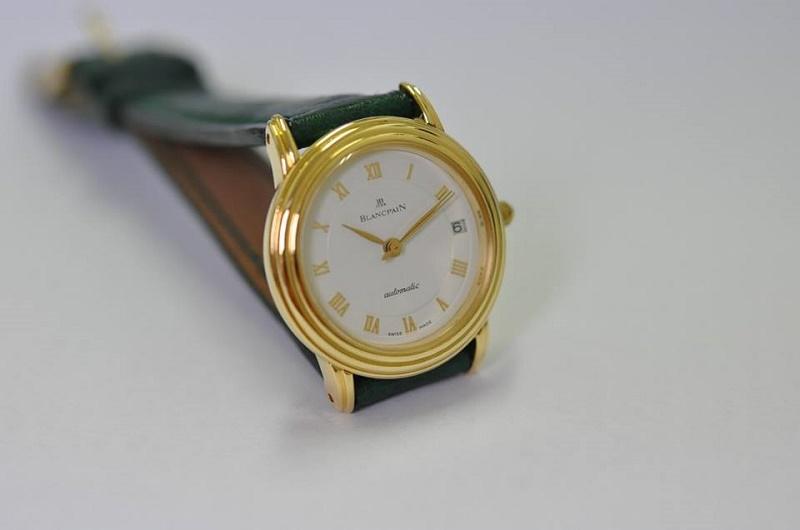 18ct gold Villeret Date